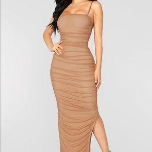 Nude mesh ruched fashion nova dress. 🍯